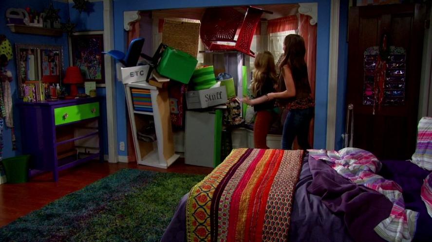 Episode 17: Girl Meets Rileytown - 217 16121