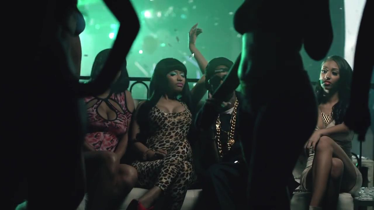 Nicki minaj beez in the trap hot